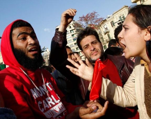 egyptian-women-harassed1