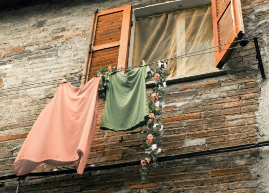 clothes_line_window_fortress_historically_italy_antique_architecture_city-1000212.jpg!d